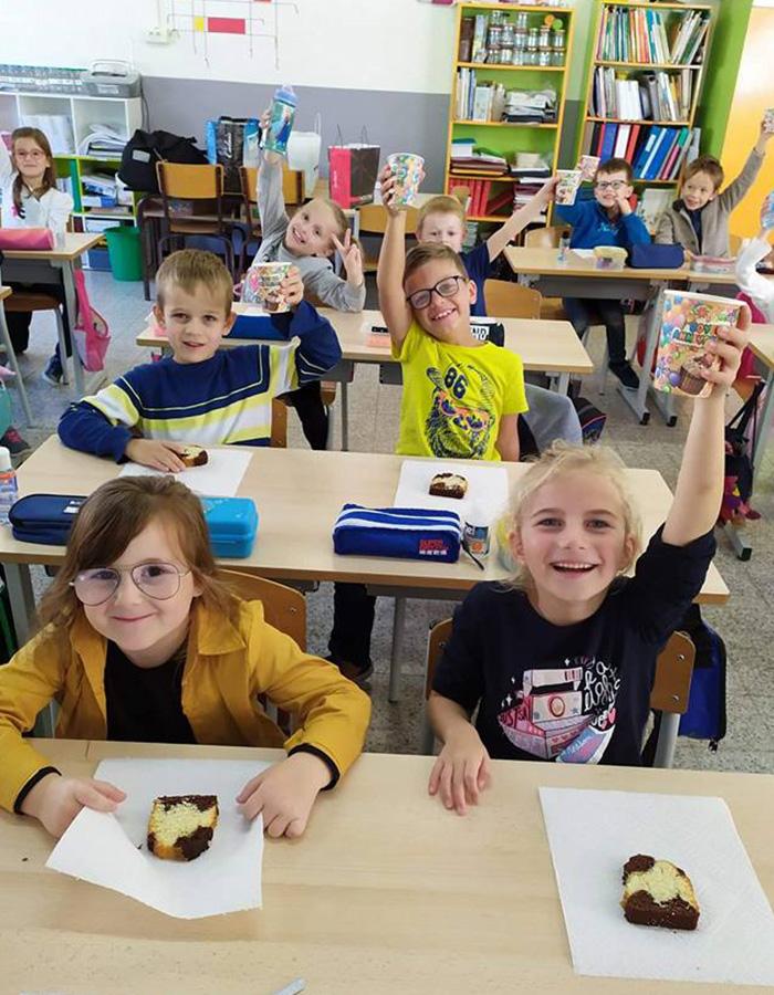 Ecole Sainte Germaine les élèves présentent leurs peintures